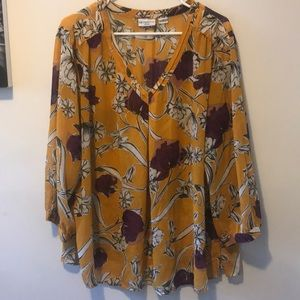 Beautiful floral blouse. Size 2X